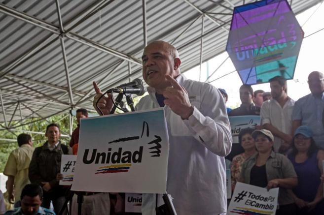 Jesús Torrealba, secretario general de la plataforma opositora Mesa...