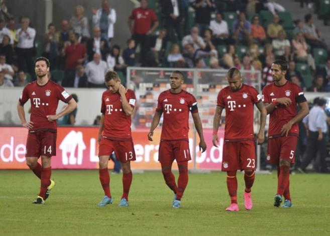 Los jugadores del Bayern, tras perder la Supercopa en los penaltis.