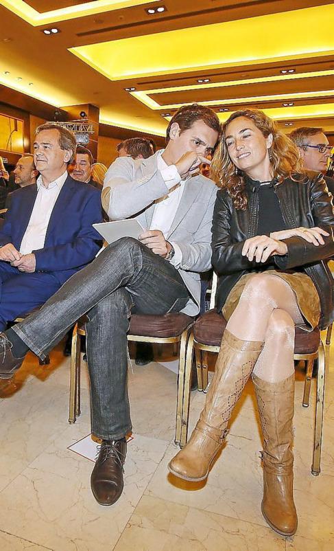 Albert Rivera y Carolina Punset en un acto de campaña en Alicante.