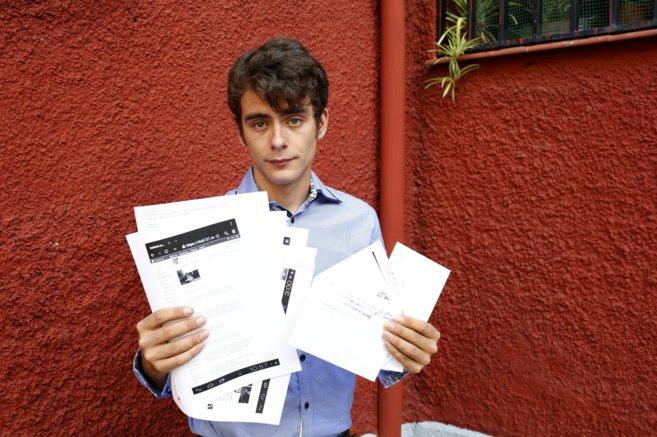 Elio García muestra los mensajes y las cartas que la ex pareja de su...