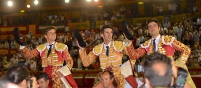 El Juli, Talavante y Perera salen a hombros de La Merced