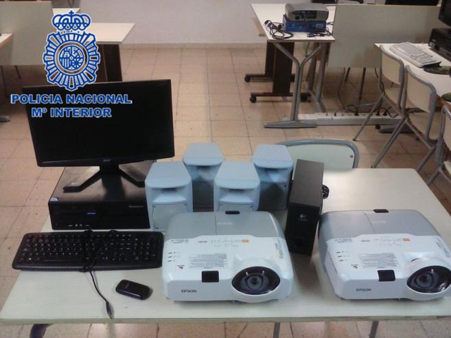 Material intervenido por la Policía Nacional durante los registros