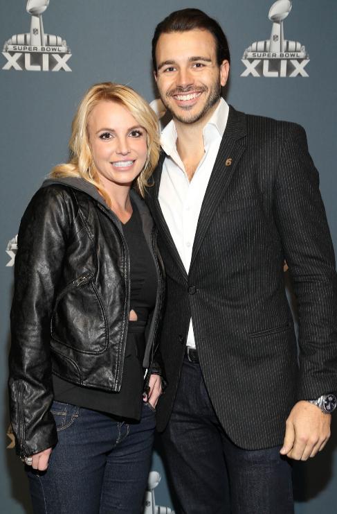 Britney Spears (33) y Charlie Ebersol (32): De esta ruptura, como de...