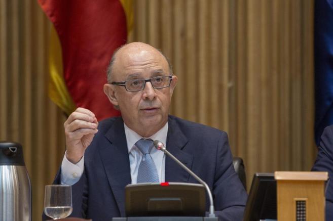 El ministro de Hacienda, Cristobal Montoro, en la presentación de los...