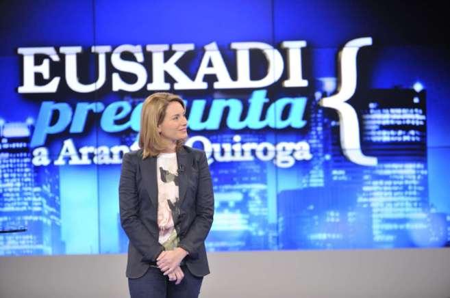 Arantza Quiroga, presidenta del PP vasco, en una entrevista en ETB.