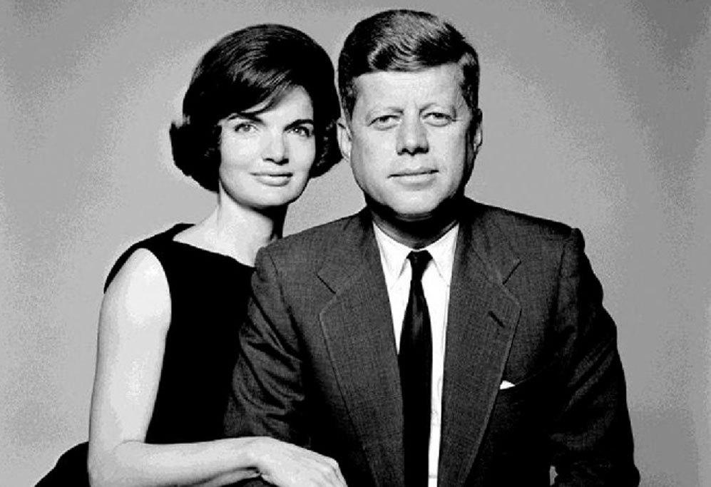 Aunque la primera impresión de Jackie al ver al futuro presidente no...