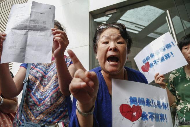 Zhang Meiling, que perdió a su hija y a su yerno en el siniestro,...