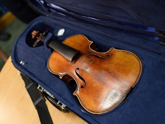 El violín recuperado.
