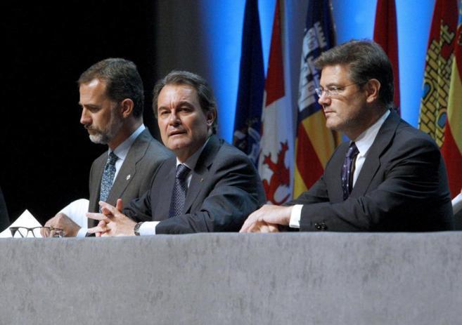El Rey Felipe, Artur Mas y Rafael Catalá, el pasado julio durante un...