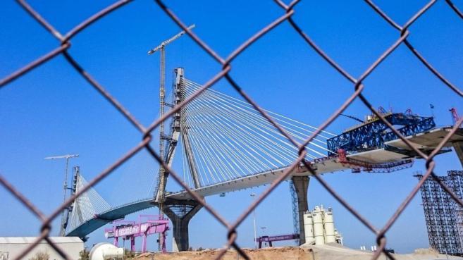 Las obras de construción del puente de La Pepa, Cádiz