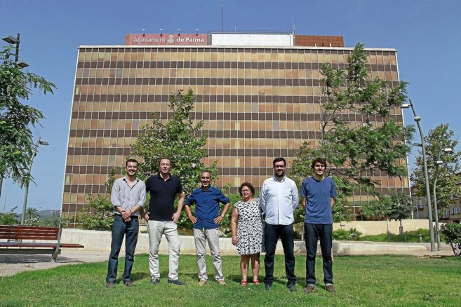 El teniente de alcalde Antoni Noguera y representantes del Área de...