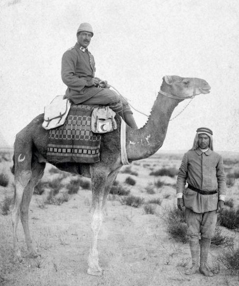 Rafael de Nogales (1877-1937), con camello y uniforme de campaña,...