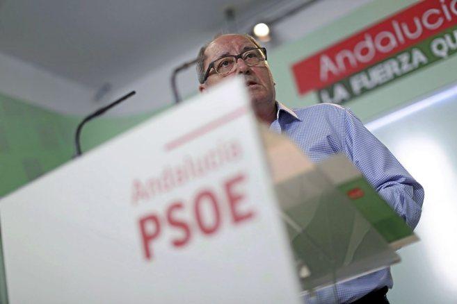El secretario de Organización del PSOE andaluz, Juan Cornejo, en una...