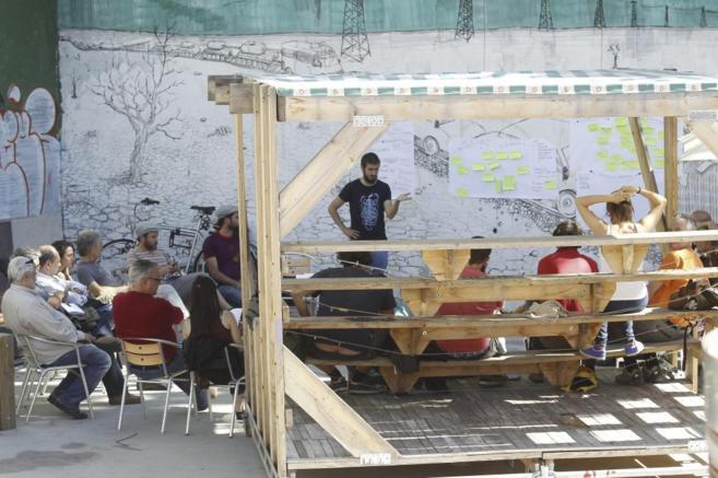 Asamblea ciudadana en el Campo de la Cebada, creado en 2011 tras ser...