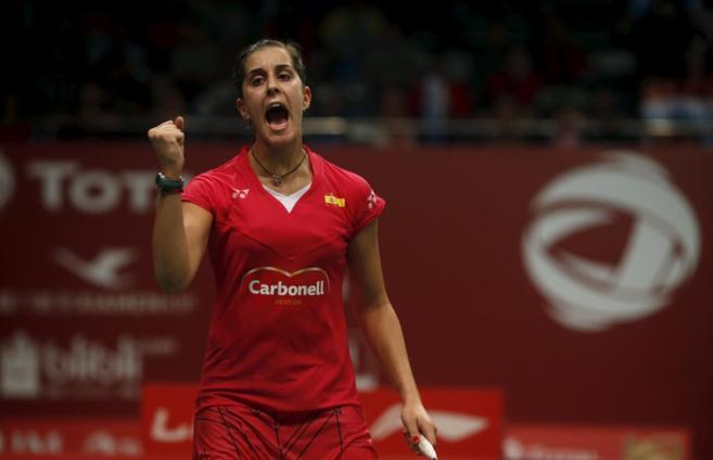 Carolina Marín celebra su victoria en primera ronda.