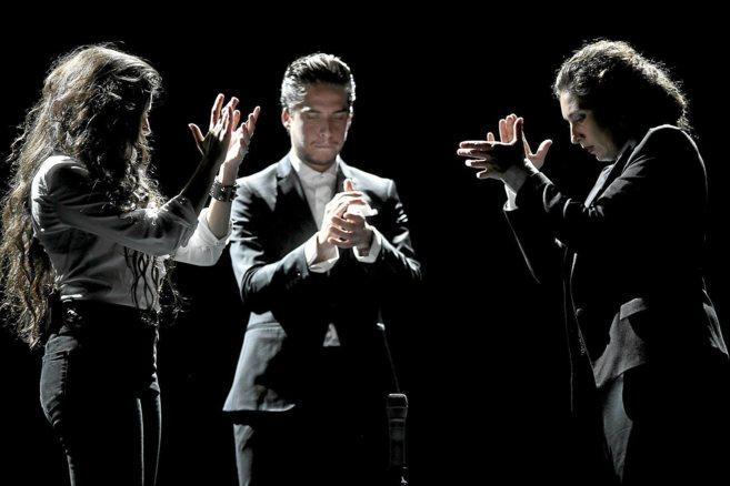 Soleá Morente, junto a sus hermanos, Estrella y Enrique, en una...