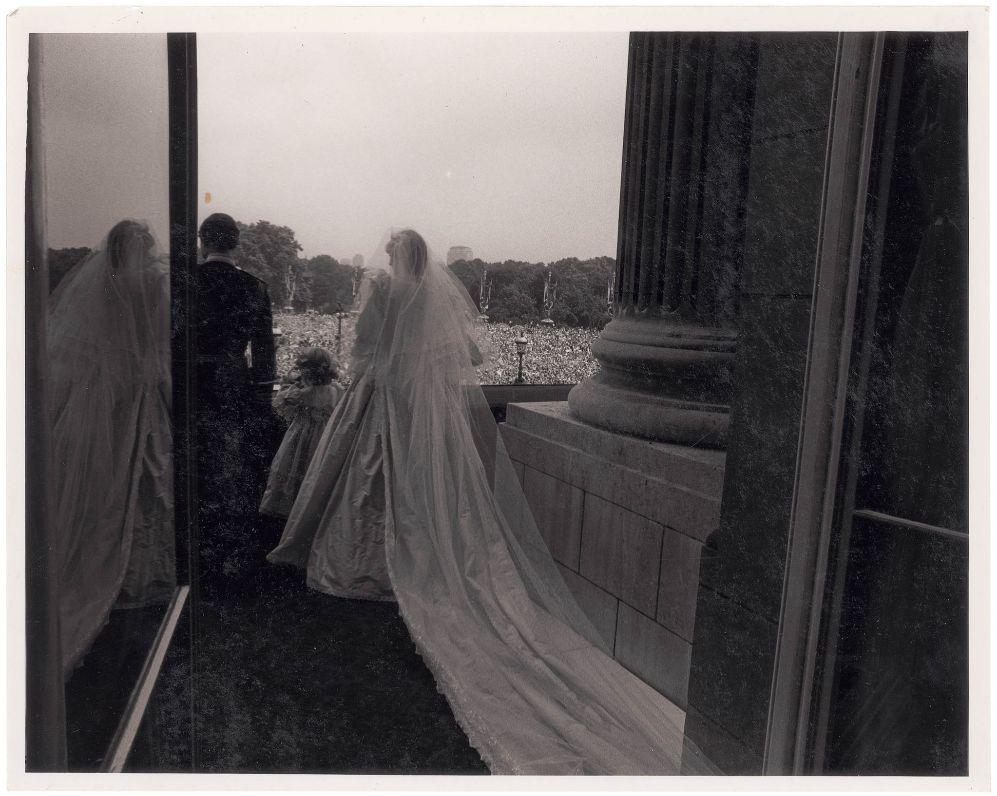 Las imágenes a subasta fueron tomadas por el fotógrafo Lord Patrick...