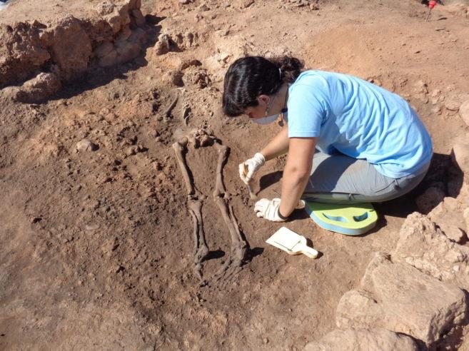 Los restos pertenecen a un varón joven de 1,65 metros de altura...