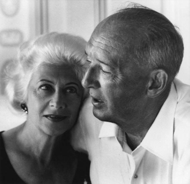 El escritor Vladimir Nabokov con su esposa Vera.