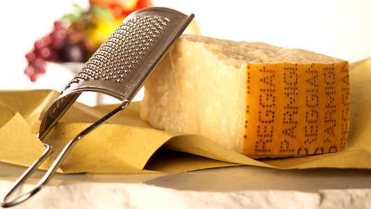 El Parmigiano Reggiano es un ode los quesos más conocidos de Italia.