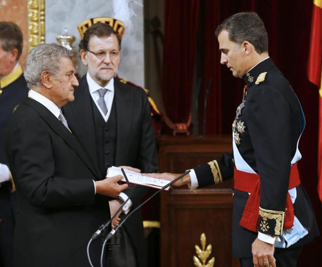 El Rey Felipe jura la Constitución en su ceremonia de proclamación.