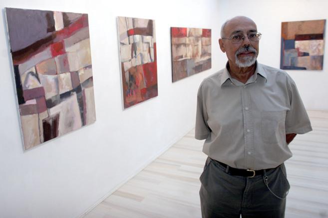 Jorge Lindell, en una exposición de la galería Alfredo Viñas...