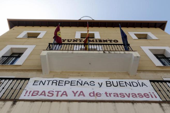 Pancarta de protesta contra el trasvase Tajo-Segura en Sacedón.