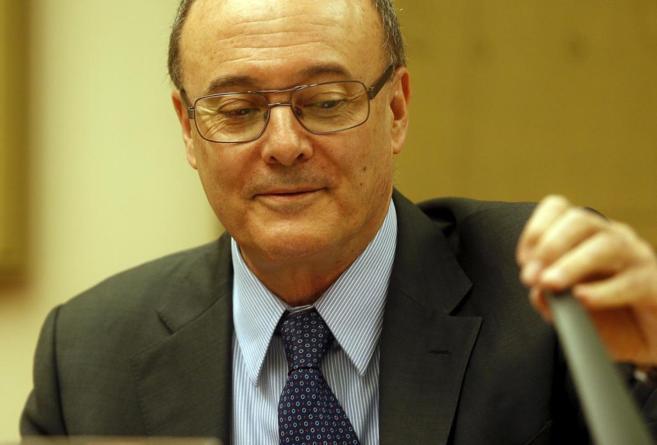 Luis María Linde, gobernador del Banco de España, en el Congreso.