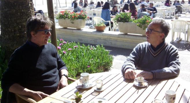 Filippo Giunta, director del Rototom, izq., en una reunión en...