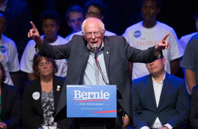 Bernie Sanders durante un acto de campaña en Chicago.