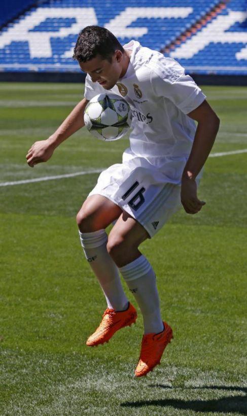 Kovacic, durante su presentación en el Bernabéu.
