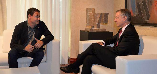 Hasier Arraiz en una reunión con Urkullu para analizar la situación...