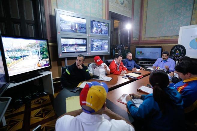 Nicolás Maduro se reúne con su Gabinete en el palacio de Miraflores.