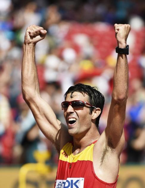 Miguel Ángel López gana la prueba de 20 km marcha.