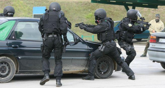 El polvorín de los SWAT vascos   País Vasco   EL MUNDO