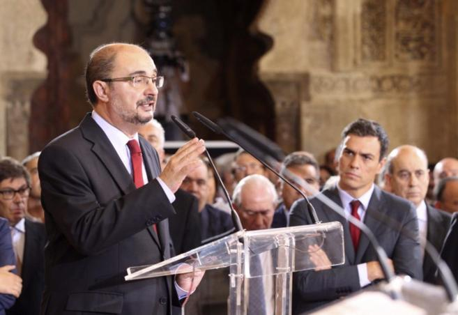 Javier Lambán, presidente de Aragón, durante su discurso de toma de...