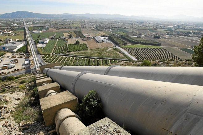 La insfraestructura del trasvase Tajo-Segura a su paso por Orihuela.