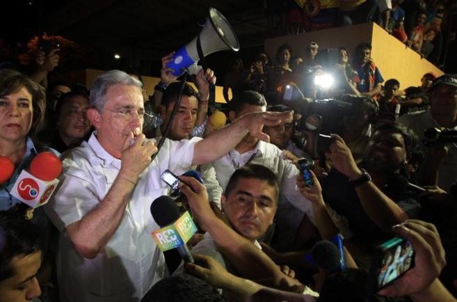 El ex presidente de Colombia Álvaro Uribe en un momento del discurso...