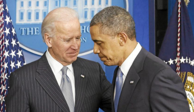 Joe Biden (izda.), junto a Barack Obama, en Washington.