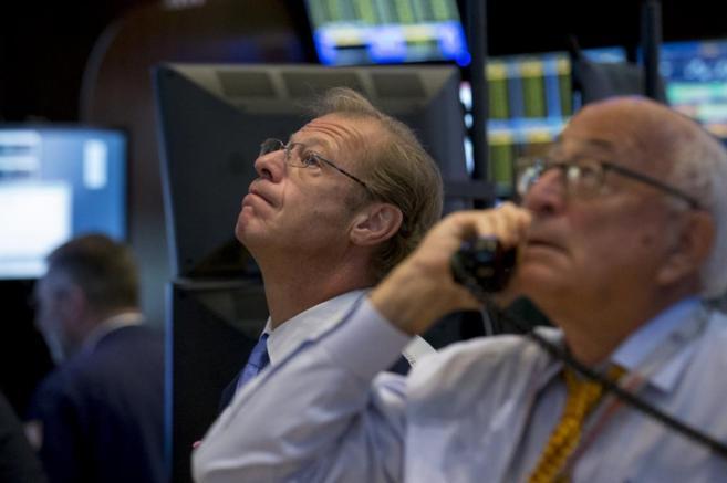 Brókers de Wall Street pendientes de los marcadores