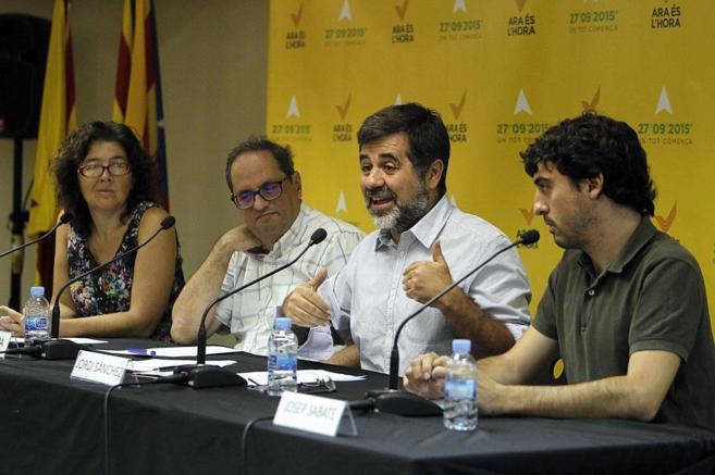 Jordi Sànchez, en el centro de la imagen
