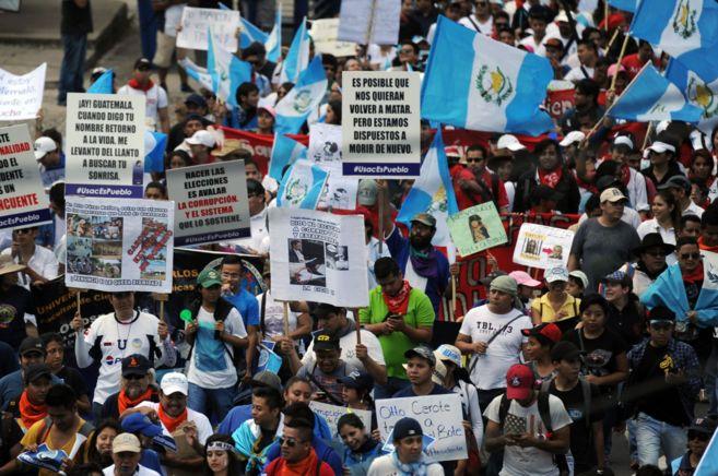 Miles de ciudadanos se manifiestan el jueves en Ciudad de Guatemala