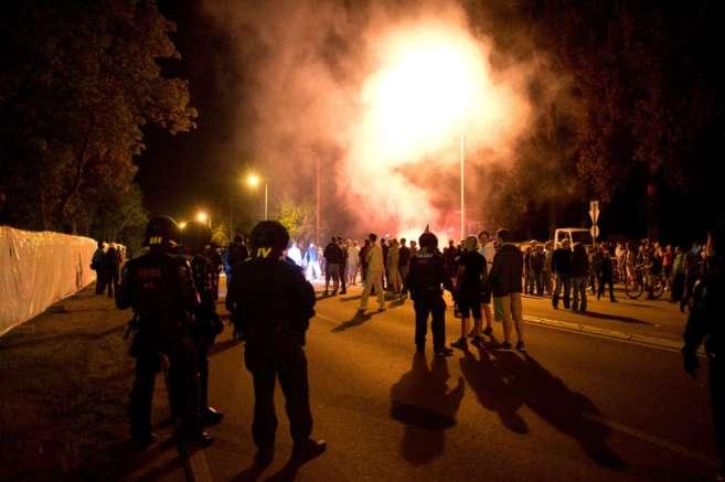La Policía alemana vigila el centro de Heinedau, foco de los ataques...