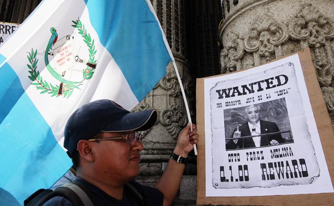 Un guatemalteco durante una concentración contra el presidente, el...