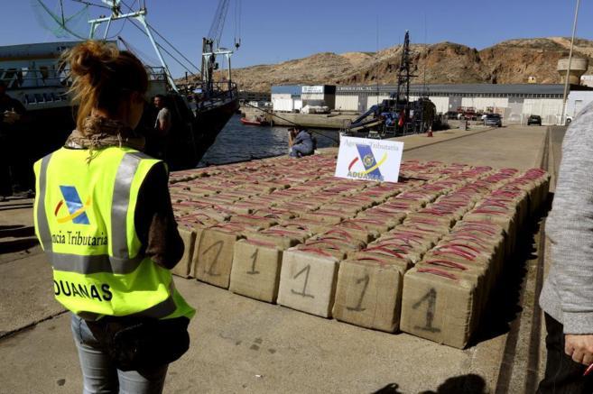 Alijo de 13 toneladas de hachís inacutado en Almería.