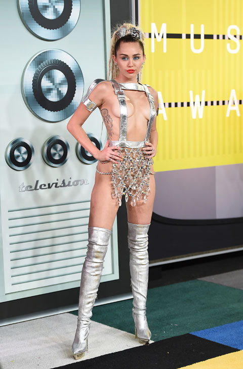 Miley Cyrus VMAs 2015