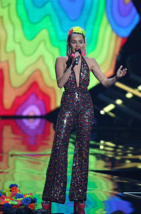 Miley Cyrus VMAs2015