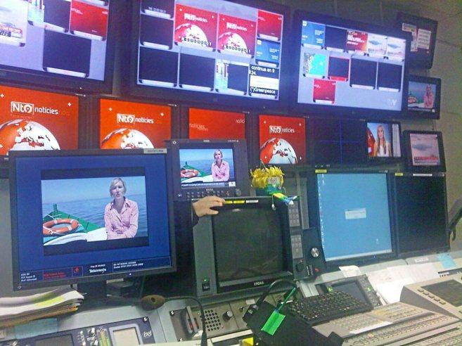 Detalle del sistema informático de emisión desde la sala de...