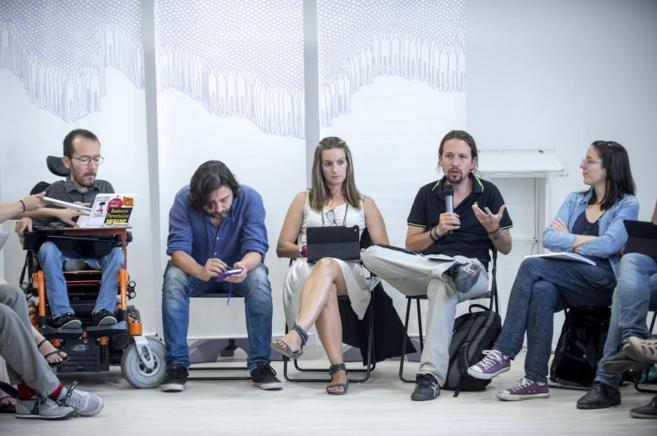 Los dirigentes de Podemos el pasado domingo en la reunión en Madrid...