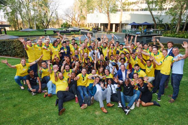 Fotografía de grupo con todos los participantes de la World Class...